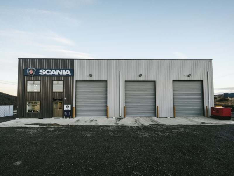 Prefab Steel Building Automotive Workshop. 85x87 Scania Warehouse located in Punta Arenas, Chile.