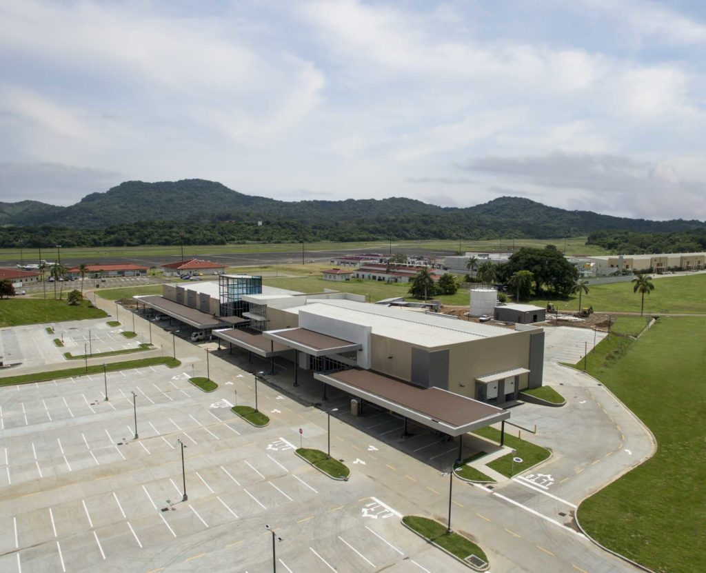Prefabricated commercial steel building, Novey & Riba Smith Supermercados located in Panama Pacifico, town Center, Panama with insulated metal panels on the roof and walls
