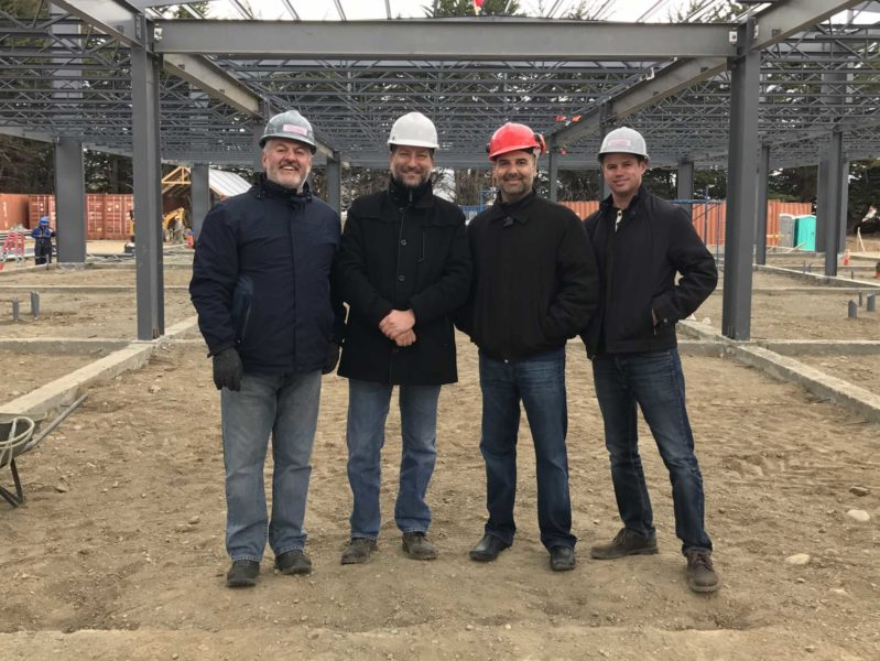steel building contractors with client