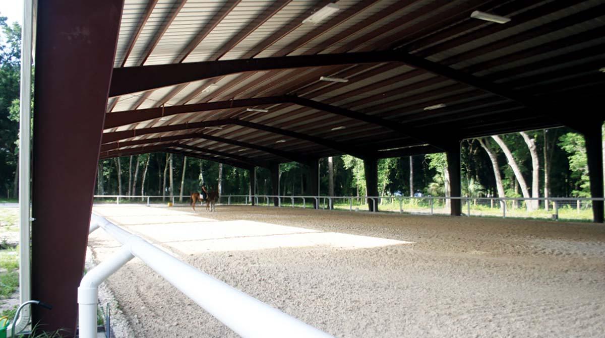 equestrian_building_riding_arena
