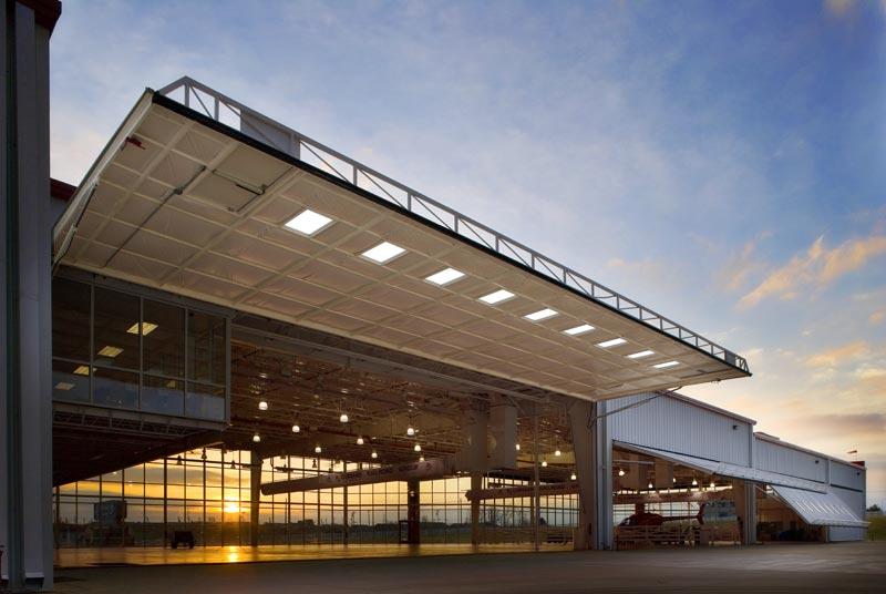 hydroswing-aircraft-hangar-doors-pre-engineered-building